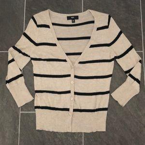 Light weight cardigan sweater